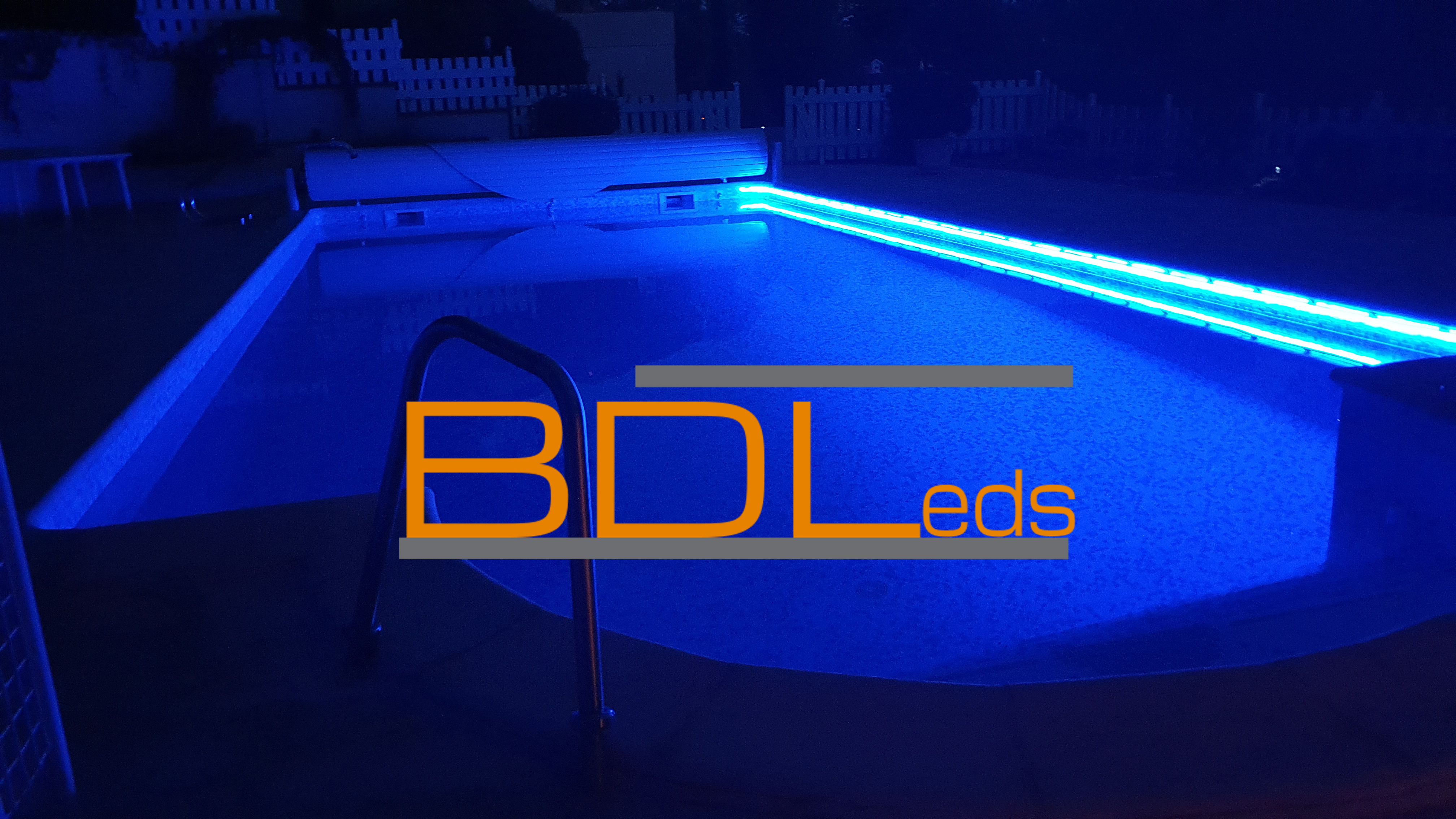eclairage bleu piscine neon flexible led rgb