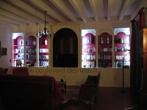 bande-led-bibliothèque-murale